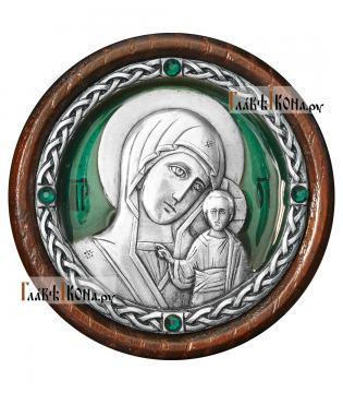 Серебряная автоикона с образом Казанской Божией Матери - зеленая эмаль