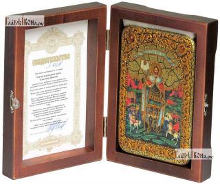 Александр Невский, благоверный князь, икона подарочная в футляре, 10х15 см - вид в комплекте
