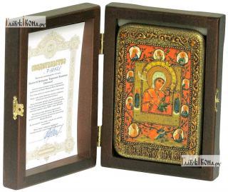 Тихвинская Хлебенная (Запечная) Божия Матерь, икона подарочная в футляре, 10х15 см - вид в комплекте