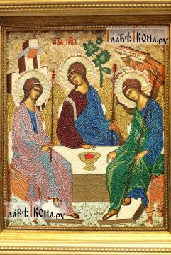 Вышитая икона Пресятой Троицы, артикул 71900 - детали образа