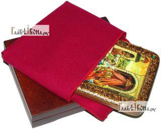 Рождество Пресвятой Богородицы, икона подарочная на дубовой доске, 15х20 см - вид в комплекте