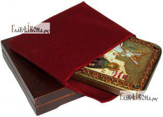 Ирина Каппадокийская (Хрисоволанта), икона подарочная на дубовой доске, 15х20 см - вид в комплекте