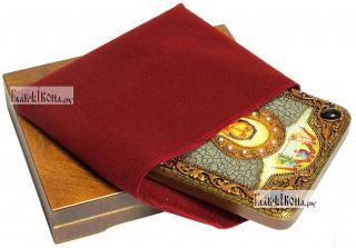 Анастасия Узорешительница, икона подарочная на дубовой доске, 15х20 см - вид в комплекте
