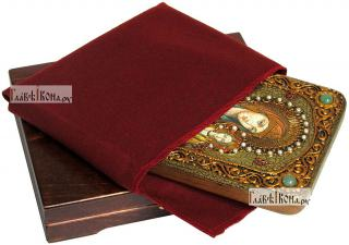 Смоленская Божия Матерь, икона подарочная на дубовой доске, 15х20 см - вид в комплекте