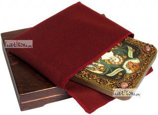 Всех Скорбящих Радость Божия Матерь, икона подарочная на дубовой доске, 15х20 см - вид в комплекте