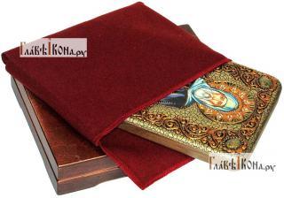 Антоний Великий, икона подарочная на дубовой доске, 15х20 см - вид в комплекте