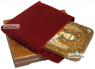Ангел Хранитель (в живописном стиле), икона подарочная на дубовой доске, 15х20 см - вид в комплекте