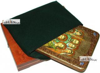 Царственные страстотерпцы (поясные), аналойная икона подарочная - вид с упаковкой
