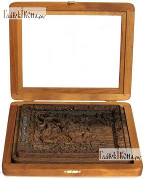 Резная икона Георгия Победоносца, артикул 22051 - вид в открытом киоте