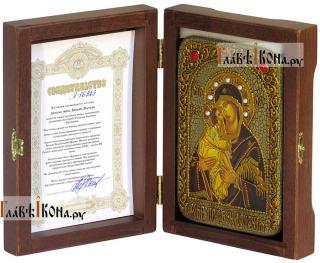 Донская Божия Матерь, икона подарочная в футляре, 10х15 см - вид в комплекте