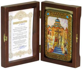 Воздвижение креста Господня, икона подарочная в футляре, 10х15 см - вид в комплекте