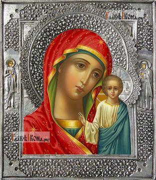 Казанская Божия Матерь (с двумя предстоящими), икона с серебряном окладе на доске