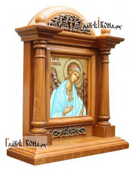 Писаная икона Ангела Хранителя в деревянном киоте-подставке, артикул 702 - вид сбоку