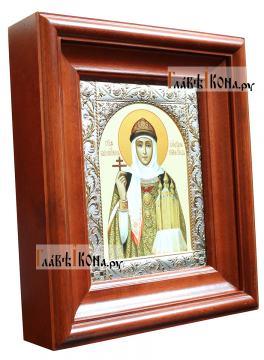 Святая Ольга, печатная икона в классической ризе - вид в киоте сбоку