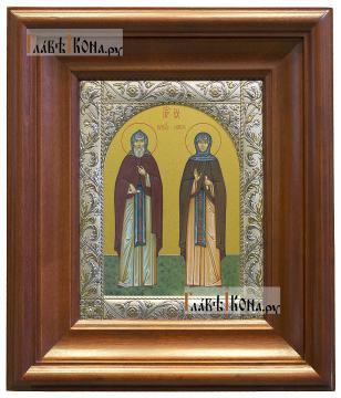 Кирилл и Мария Радонежские, икона в ризе с классическим узором - вид в киоте