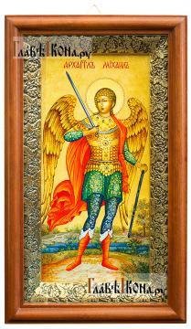 Икона в киоте святого Архангела Михаила (ростовое изображение)