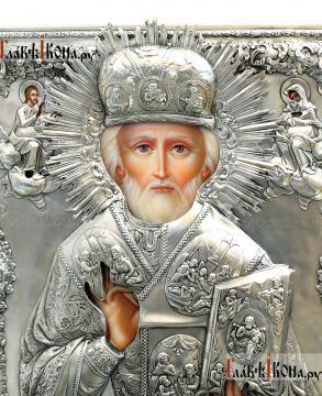 Николай Чудотворец (в митре), икона с серебряном окладе на доске - детали