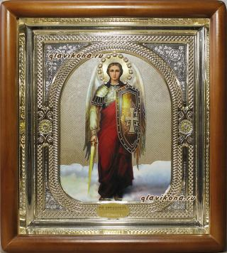 Икона Архангела Михаила в киоте