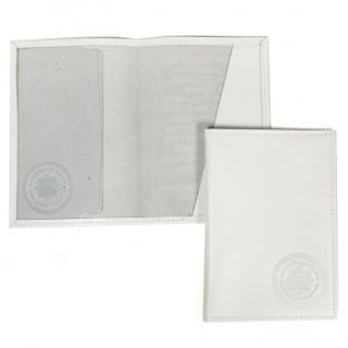 Белая кожаная обложка на паспорт