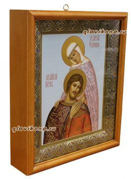 Икона святых Петра и Февронии (склонившиеся), артикул 821 - вариант оформления иконы в киот